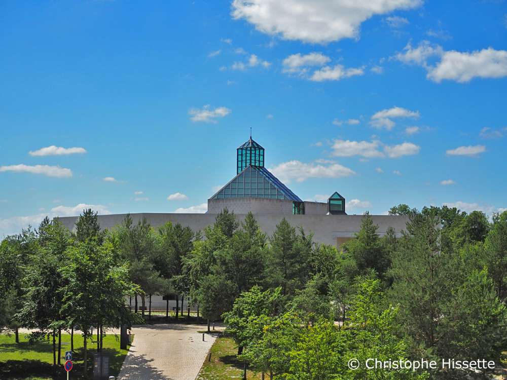 Three Acorns Park and Mudam Luxembourg - Museum of Modern Art Grand Duke Jean - I. M. Pei Architect Design, Kirchberg, Luxembourg City