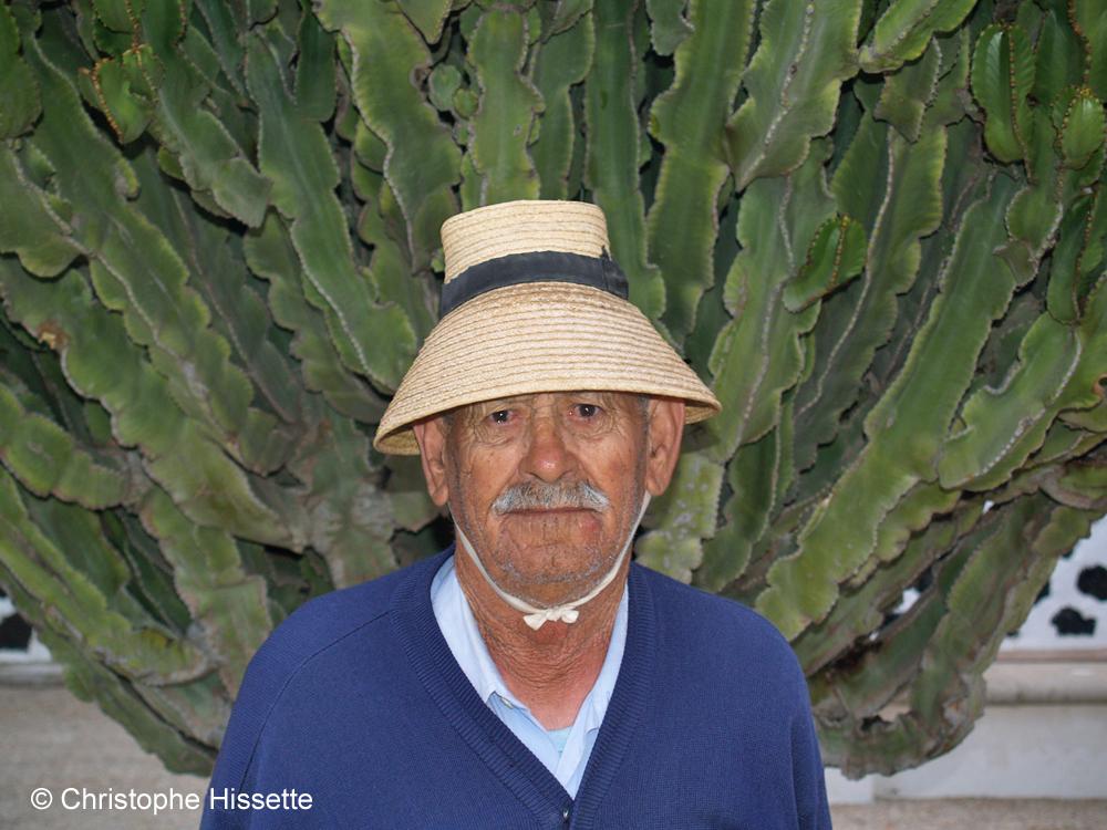 Graciosero with his traditional hat of La Graciosa