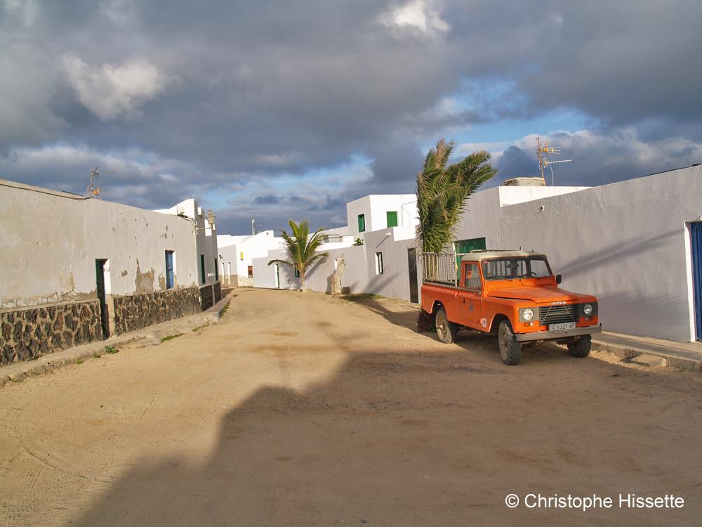 Street (sand track) in Caleta de Sebo, La Graciosa