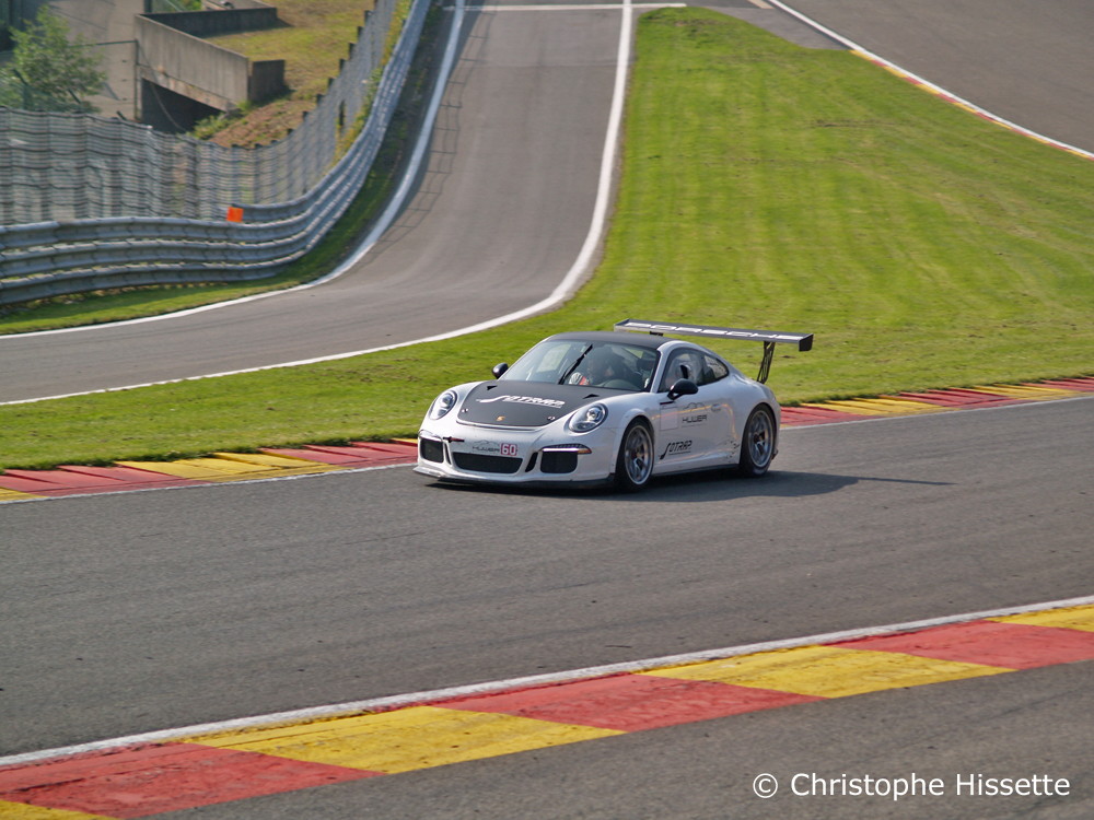 Porsche GT3 Cup at the Raidillon / Eau Rouge corner