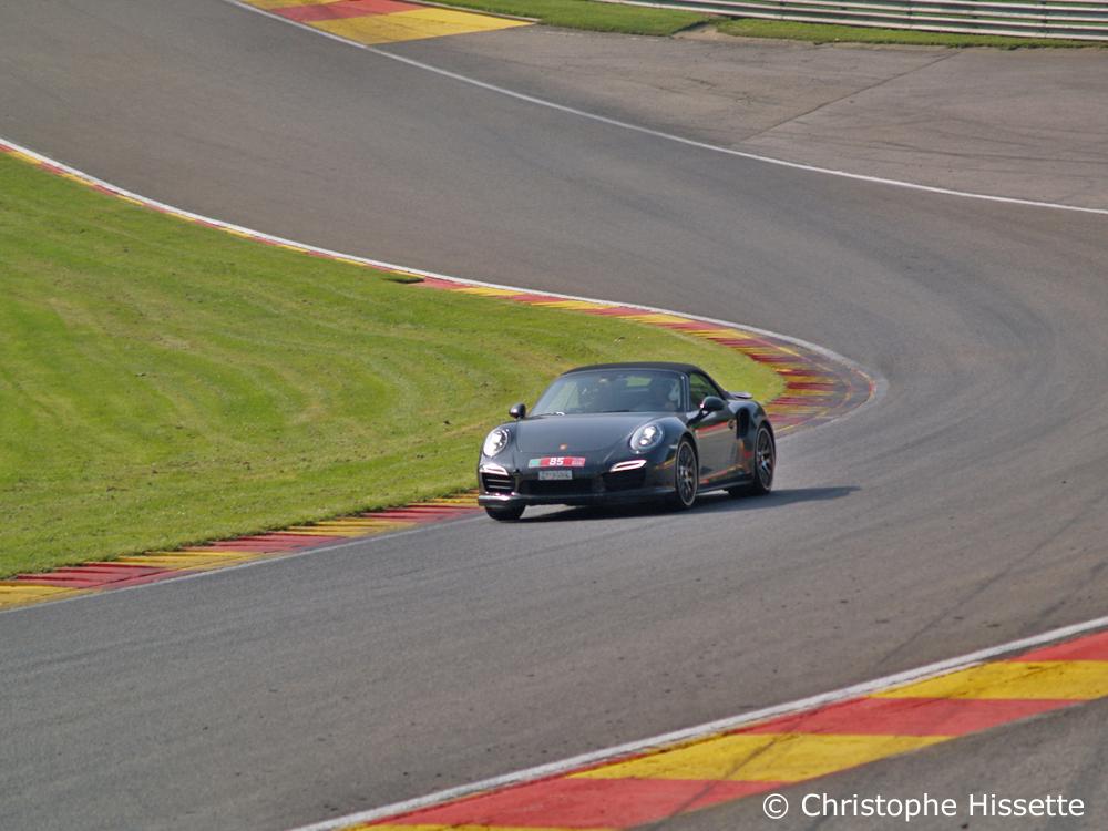 Porsche at the Raidillon / Eau Rouge corner