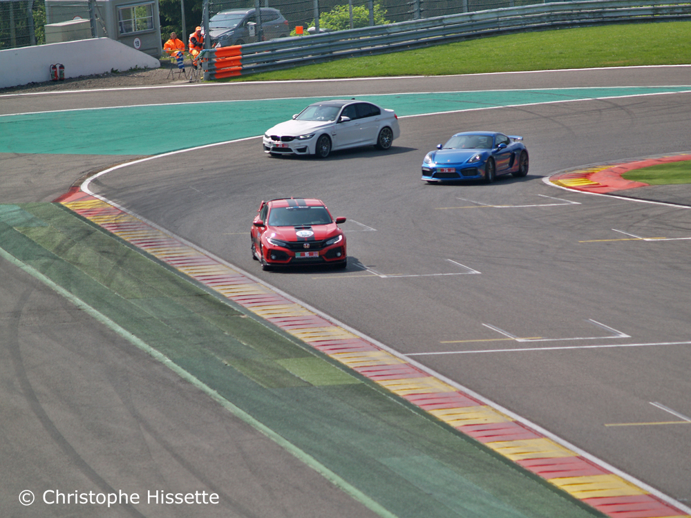Honda Civic Type R GT, Porsche et BMW au virage La Chicane