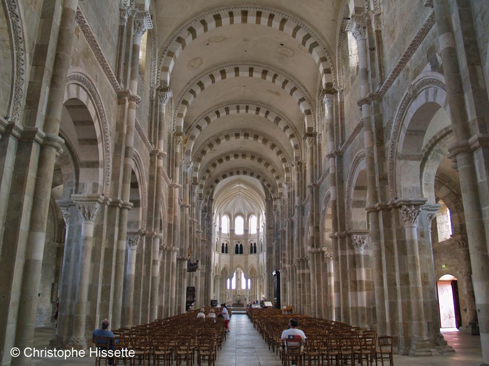 Nef de la Basilique Sainte-Marie-Madeleine de Vézelay  (Patrimoine Mondial de l'Unesco - Chemins de Compostelle), Vézelay, France