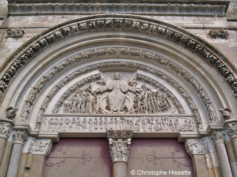 Tympan de la Basilique Sainte-Marie-Madeleine de Vézelay  (Patrimoine Mondial de l'Unesco - Chemins de Compostelle), Vézelay, France